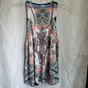 Crocheted Knit Elephant Graphic Scoop Neck Tank